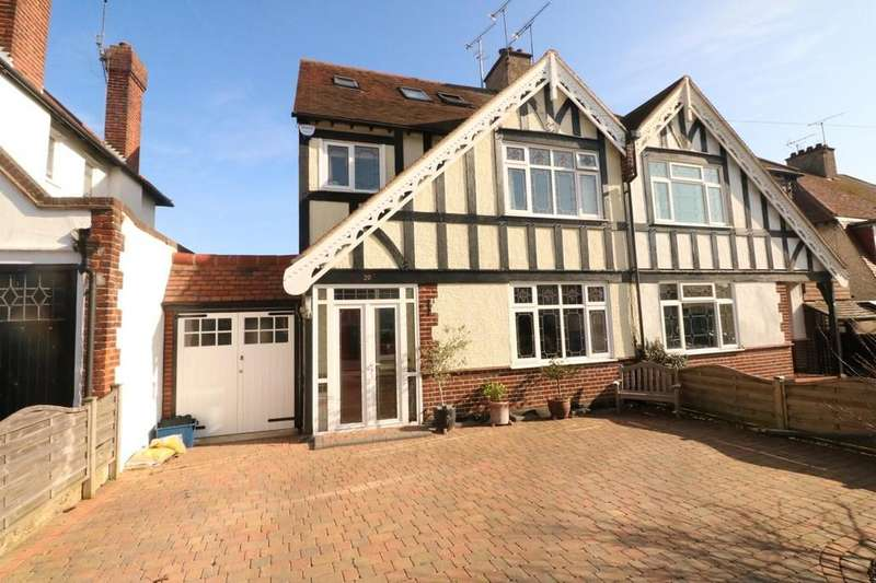 5 Bedrooms Semi Detached House for sale in Medway Crescent, Leigh-on-Sea