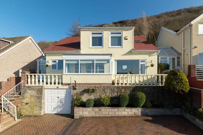 3 Bedrooms Detached House for sale in The Avenue, Prestatyn