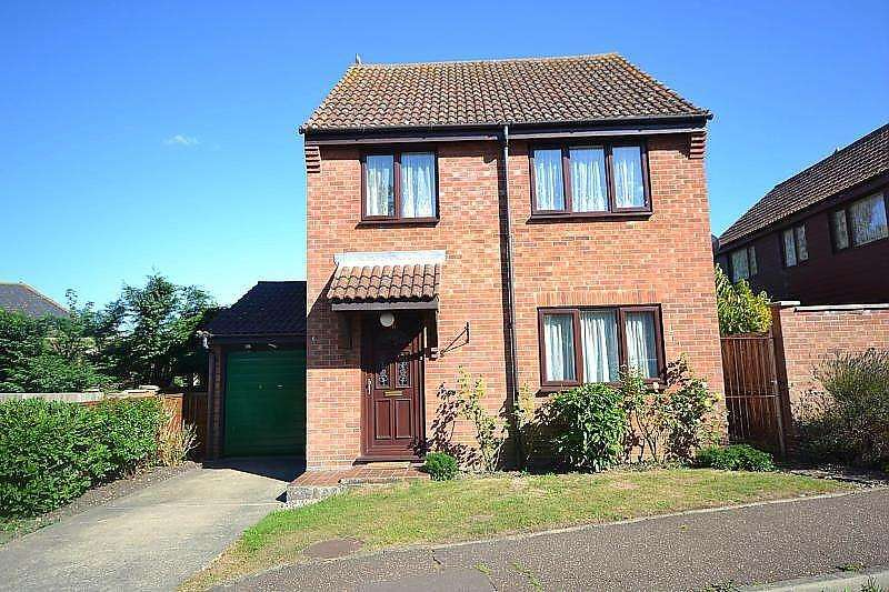 3 Bedrooms Detached House for rent in Malthouse Road, Manningtree, Essex, CO11