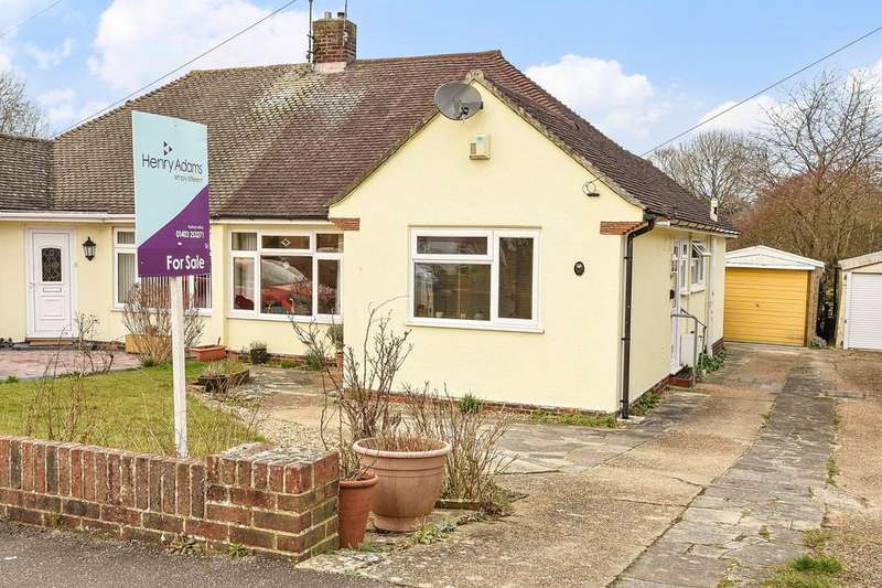 2 Bedrooms Bungalow for sale in Cootes Avenue, Horsham, RH12