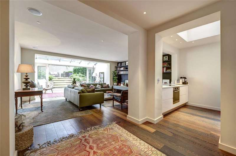 2 Bedrooms Flat for sale in Harcourt Terrace, Chelsea,, London, SW10