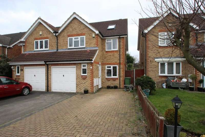 4 Bedrooms Semi Detached House for sale in Langdon Hills, SS16