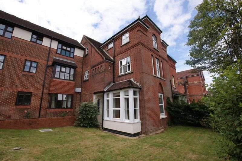 1 Bedroom Property for sale in Tiverton Court, Wickham Road, Fareham