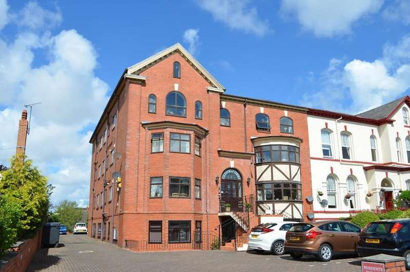 4 Bedrooms Flat for sale in Queens Road, Southport, PR9 9EX
