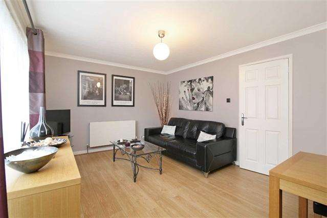 2 Bedrooms Flat for sale in Church Road, Leyton