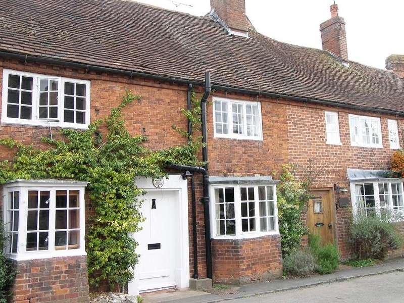 2 Bedrooms Terraced House for sale in The Green, Tanworth-in-Arden