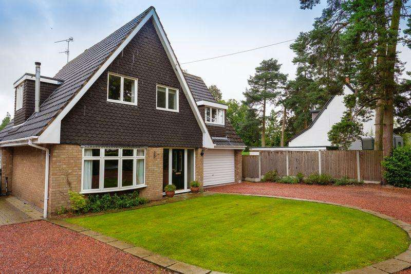 4 Bedrooms Detached House for sale in Hawthorne Lane, Codsall, Wolverhampton