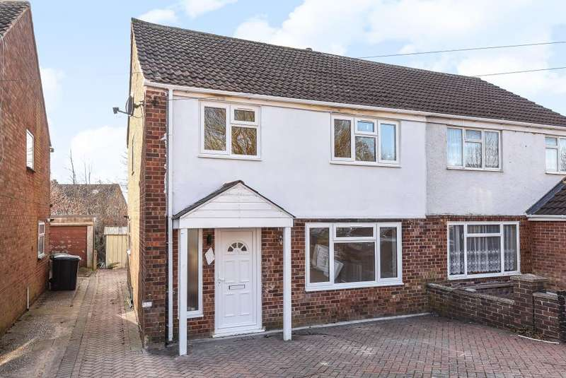 3 Bedrooms House for rent in Walton Drive, High Wycombe, HP13