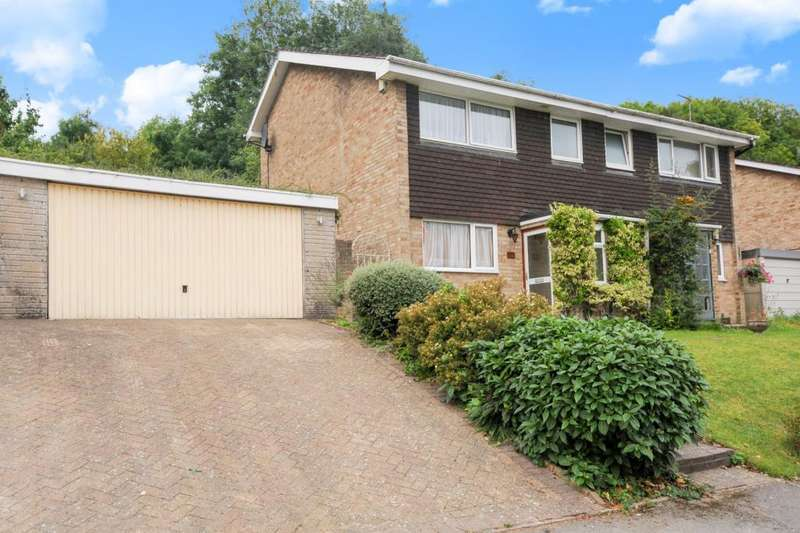 3 Bedrooms House for rent in Dean Garden Rise, High Wycombe, HP11