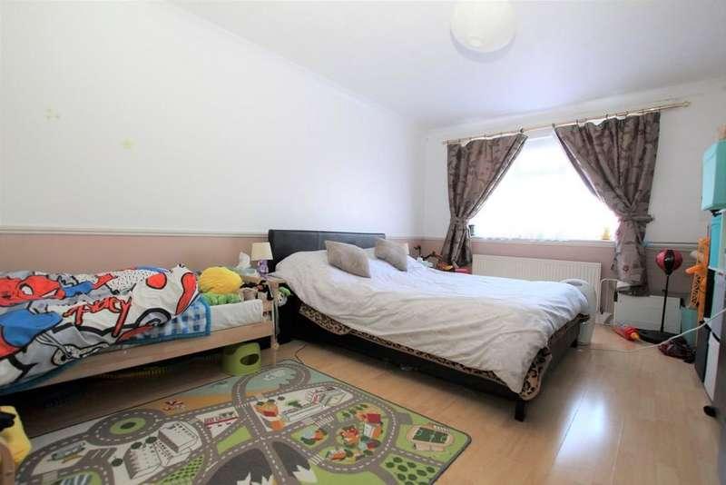 3 Bedrooms Flat for sale in Turkey Street, Enfield