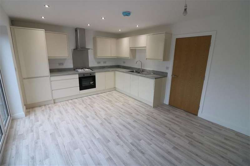 4 Bedrooms House for rent in Norwood, Beverley, East Yorkshire