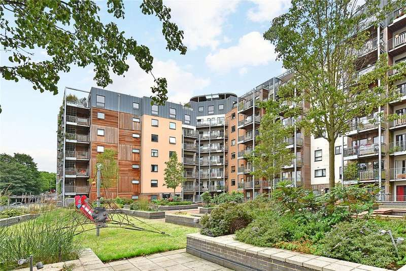 3 Bedrooms Flat for sale in Seren Park Gardens, Blackheath, London