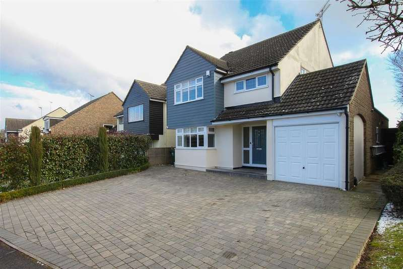 4 Bedrooms Detached House for sale in Park Meadow, Doddinghurst, Brentwood