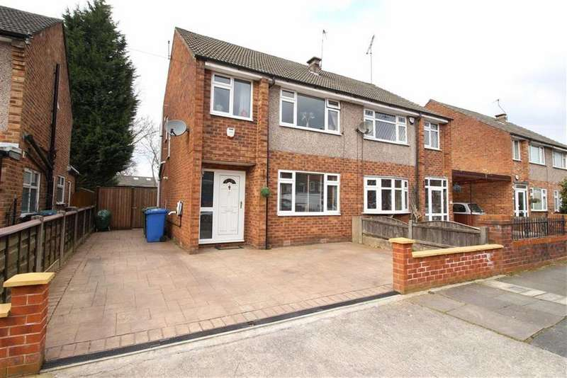 3 Bedrooms Semi Detached House for sale in Beech Road, Sale