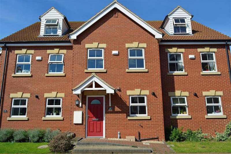 3 Bedrooms Town House for sale in Old School Close, Brigg
