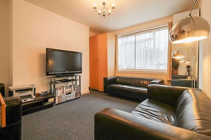 3 Bedrooms Property for sale in Brickbarn Close, London