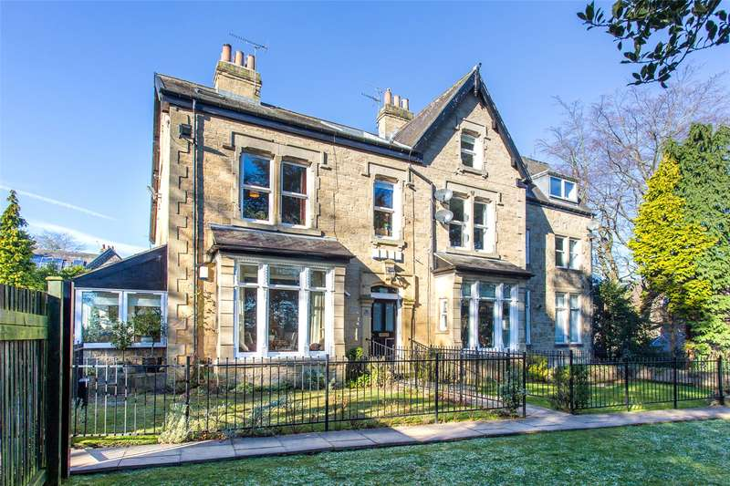2 Bedrooms Flat for sale in Old Park Court, 85 Old Park Road, Leeds, West Yorkshire, LS8
