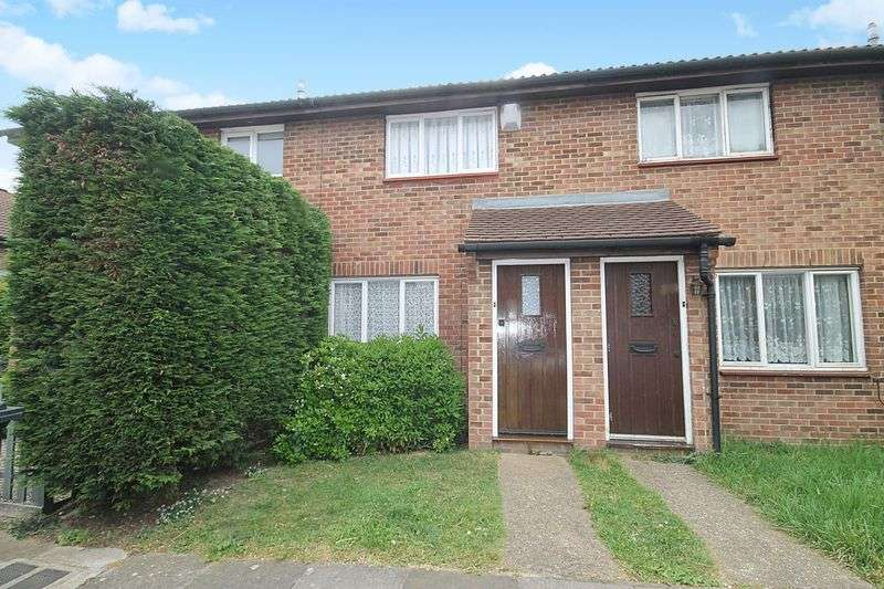 2 Bedrooms Property for sale in Dacre Close, Greenford