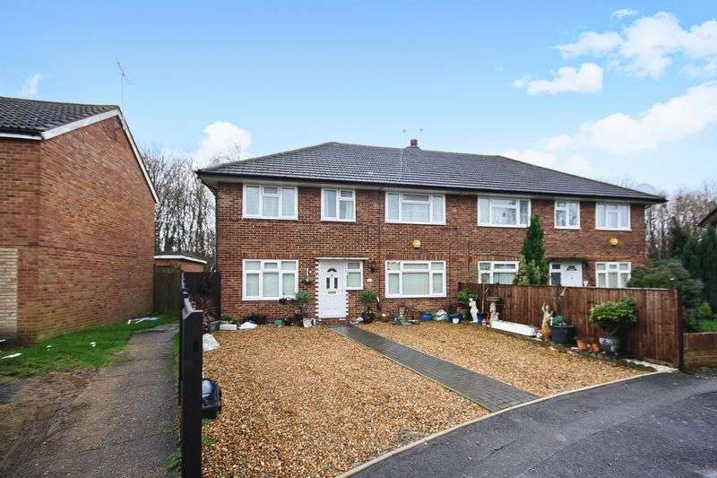 3 Bedrooms Property for sale in Larch Crescent, Hayes
