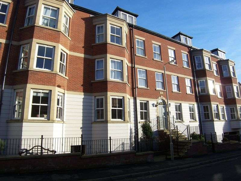 2 Bedrooms Property for rent in Marlborough Street, Scarborough