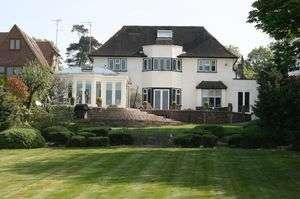 5 Bedrooms Property for sale in Prowse Avenue Bushey Heath, Bushey