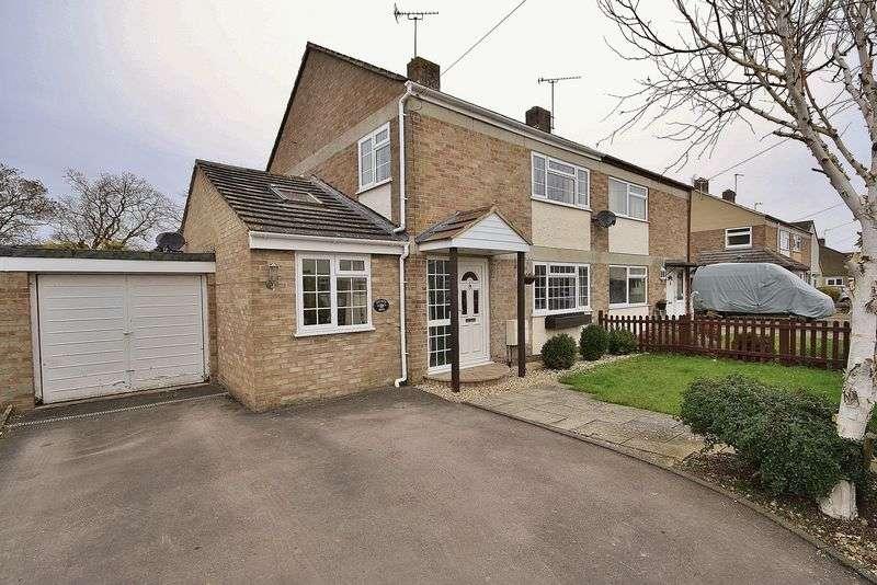 3 Bedrooms Property for sale in Feilden Close, Ducklington