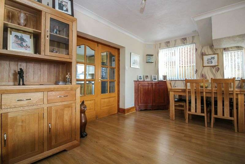 3 Bedrooms Property for sale in Rodden Road, Frome