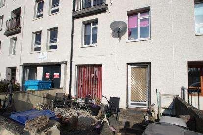 3 Bedrooms Maisonette Flat for sale in Kintyre Avenue, Linwood