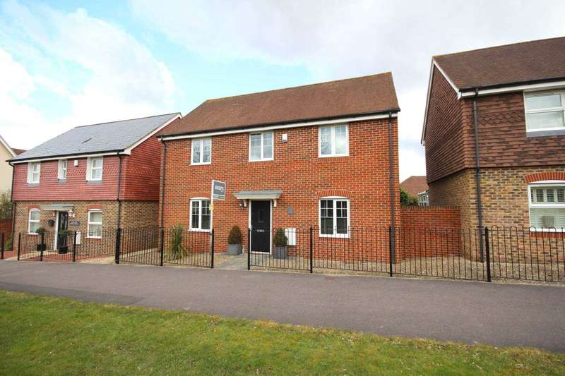 4 Bedrooms Detached House for sale in Osprey Avenue, Jennett`s Park