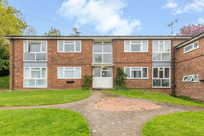 2 Bedrooms Flat for sale in Mill Lane, Hurst Green, Oxted