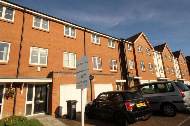 4 Bedrooms Property for rent in Chambers Grove, Welwyn Garden City AL7