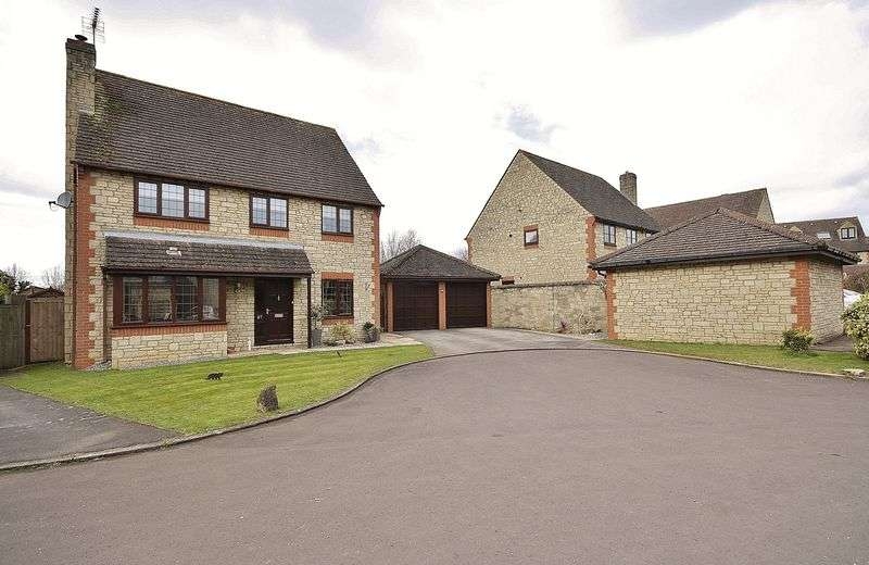 4 Bedrooms Property for sale in Sherbourne Road, Witney
