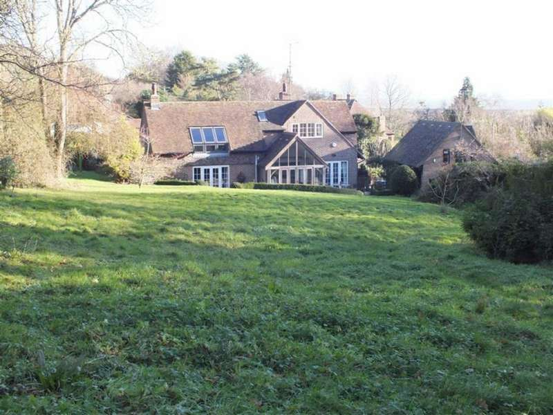 4 Bedrooms Detached House for sale in Lympne Hill, Hythe, Kent, CT21