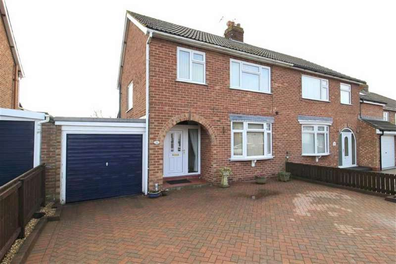 3 Bedrooms Semi Detached House for sale in The Mount, Driffield, East Yorkshire