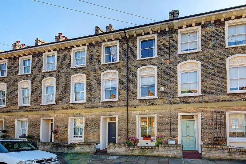 3 Bedrooms Semi Detached House for sale in St. Philip Street, London