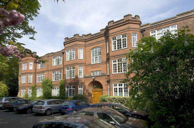 3 Bedrooms Flat for sale in Muswell Hill Road, Highgate, London, N6