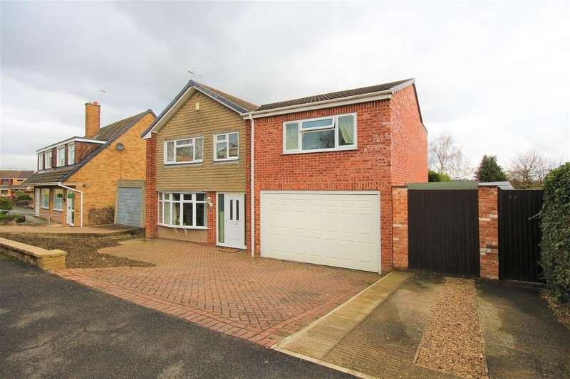 4 Bedrooms Detached House for sale in Sunningdale Drive, Kirk Hallam