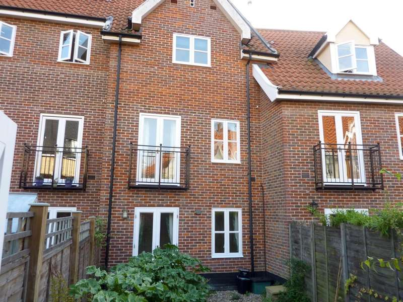 3 Bedrooms Town House for rent in Coslany Street, Norwich