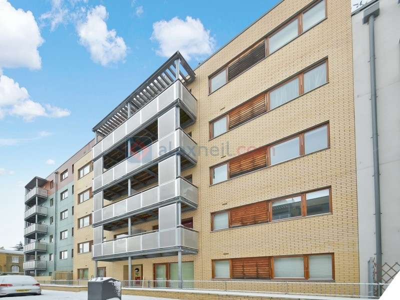 2 Bedrooms Flat for sale in Trevithick Way, Bow E3
