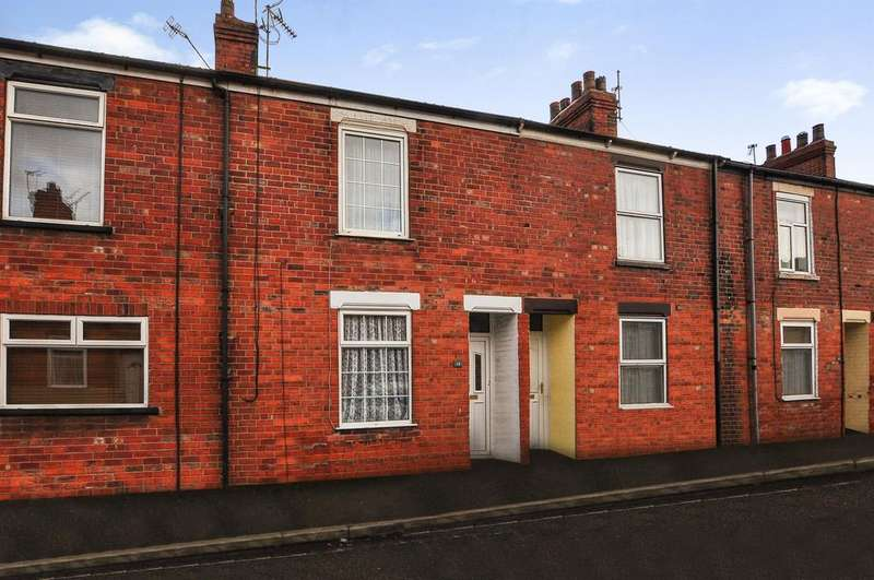 2 Bedrooms Terraced House for sale in Raincliffe Street, Selby, YO8 4AN
