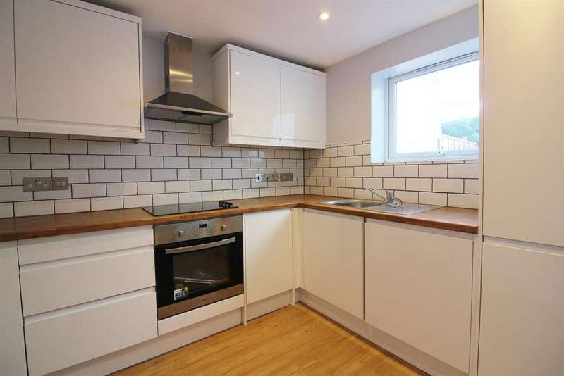 2 Bedrooms End Of Terrace House for sale in Kingsnorth Rd, Ashford, Kent, TN23 6HT