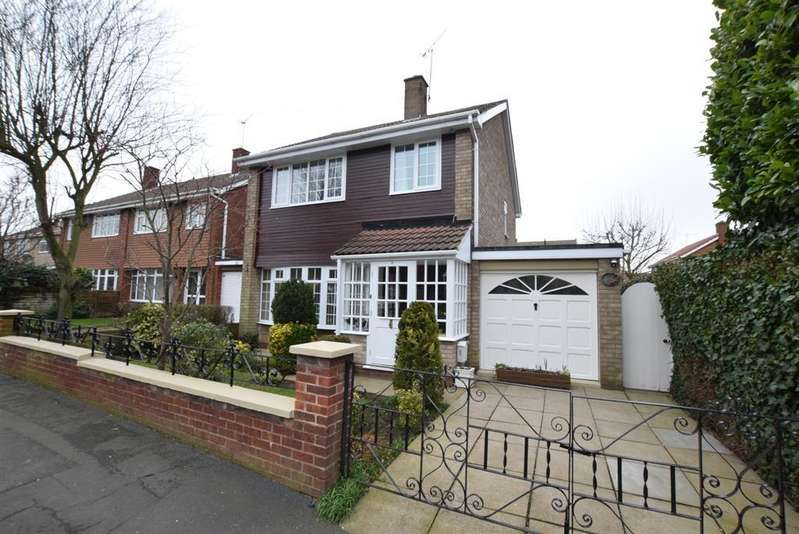 3 Bedrooms Detached House for sale in Silver Birch Rise, Scunthorpe, DN16 3QB