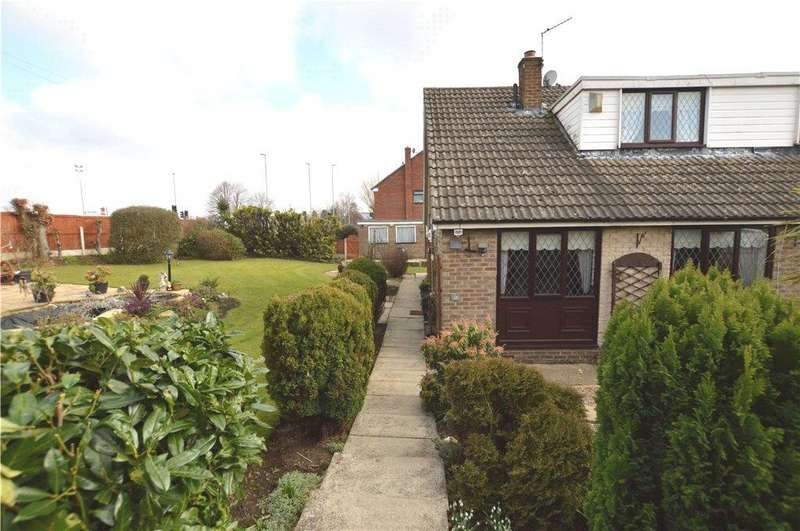 3 Bedrooms Semi Detached Bungalow for sale in Springhead Road, Rothwell, Leeds