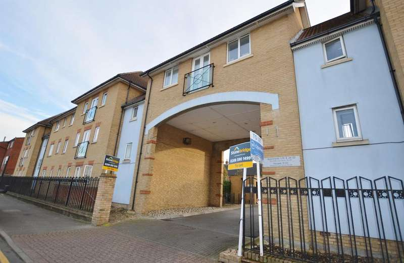 2 Bedrooms Flat for sale in Garvary Road, Canning Town, London, E16 3GZ