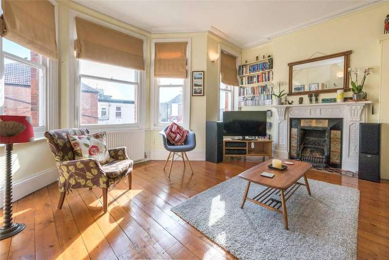 3 Bedrooms House for sale in Buxton Mansions, 74 Chapter Road, London, NW2