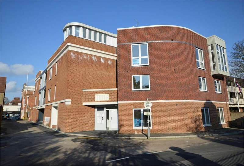 2 Bedrooms Flat for sale in 1 The Old Court House, Star Lane, Epping, Essex