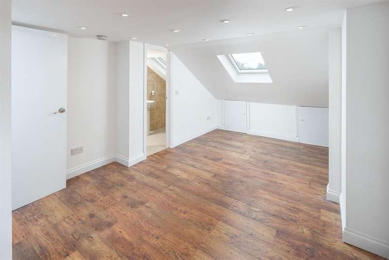 4 Bedrooms Terraced House for sale in Greenfield Road, London, N15