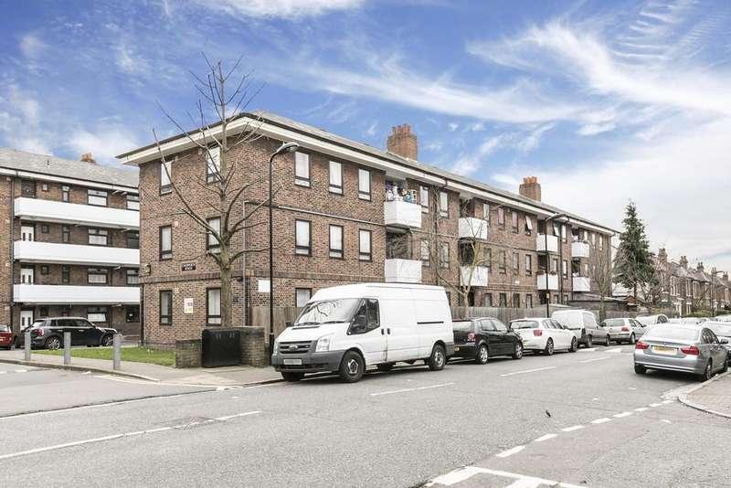 2 Bedrooms Flat for sale in Geldeston Road, London, E5