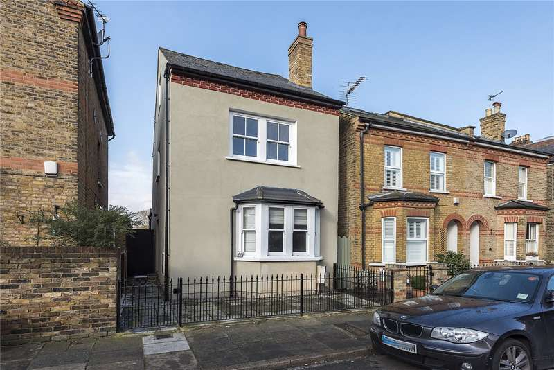 2 Bedrooms Semi Detached House for sale in Heath Gardens, Twickenham, TW1