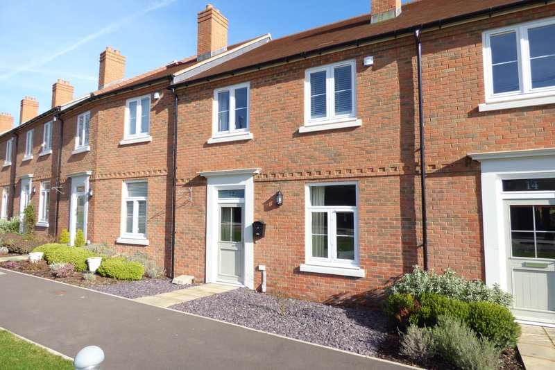 3 Bedrooms House for sale in Sir Geoffrey Todd Walk, Midhurst, GU29